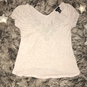 Hot!! Rue 21, size XS, beige tee w lace v neck